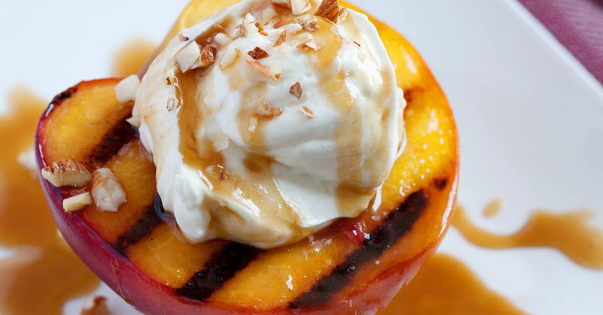 Grilled Peaches With Bourbon Sauce