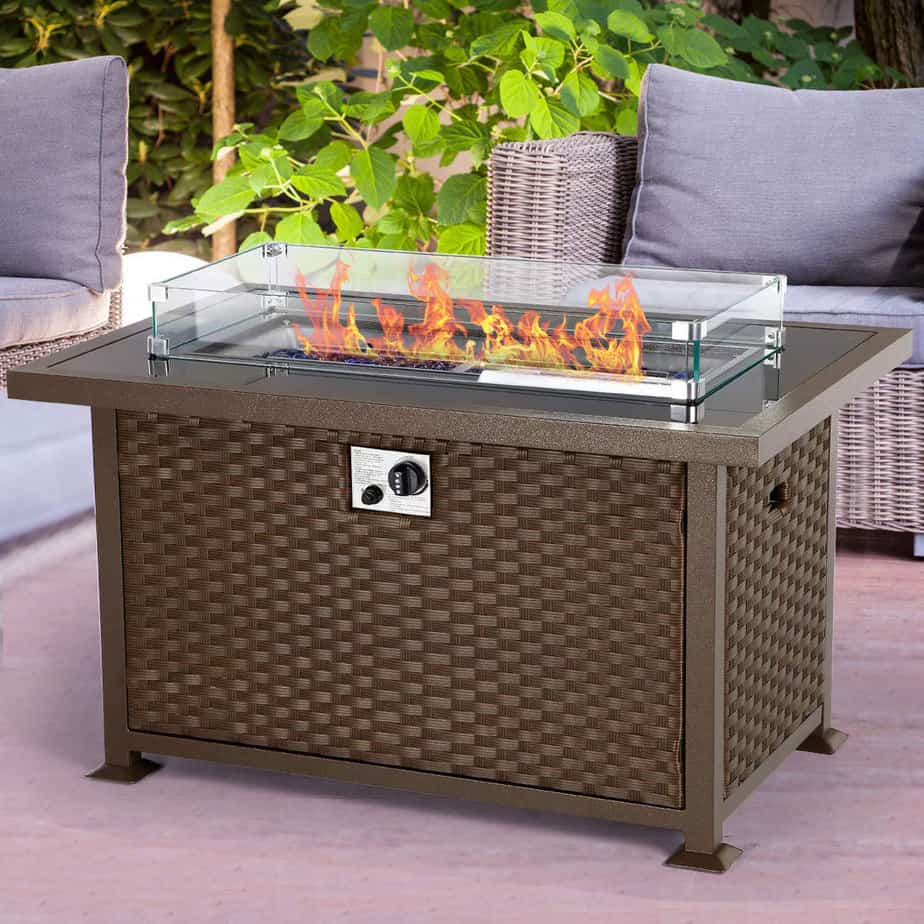 Pros And Cons Of An Outdoor Gas Fire Pit